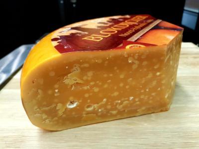 Blokdijcker  Starý je excelentní sýr. Pravý Severo-Holandský sýr vyroben z 100% lučního mléka...